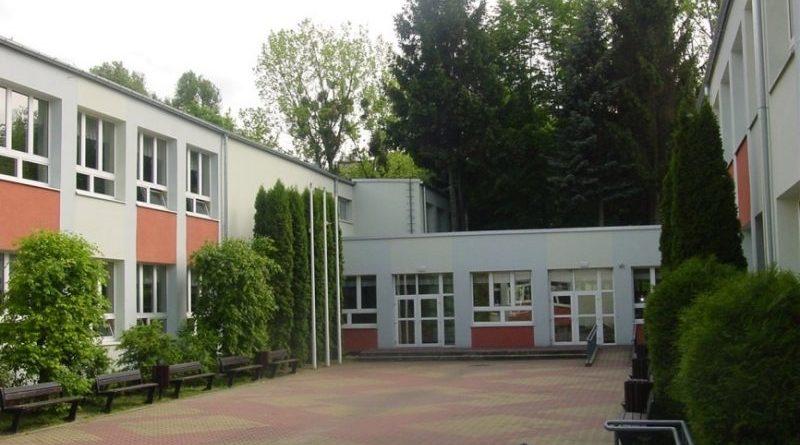 Oswiata Pruszkow.jpg