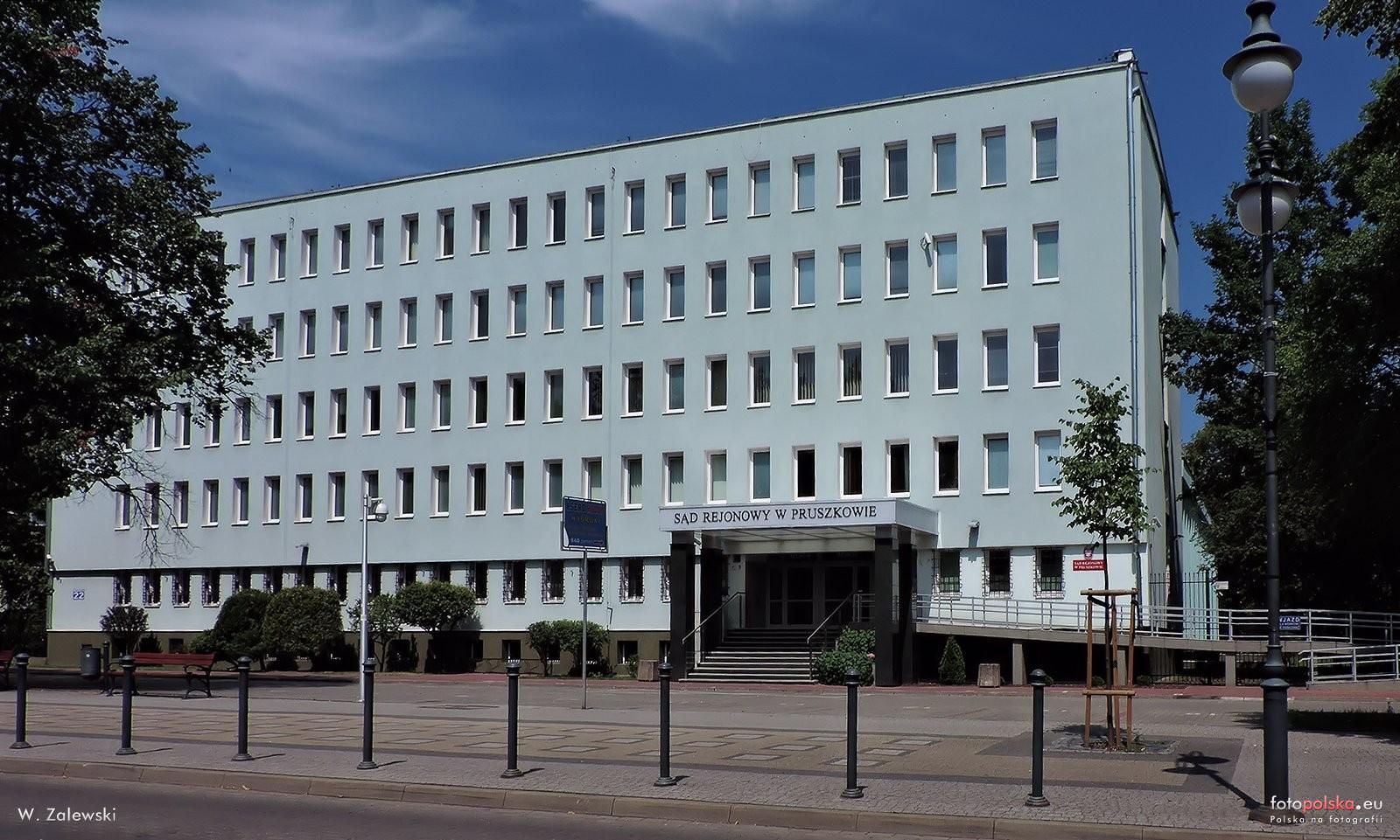 Sad Rejonowy W Pruszkowie.jpg