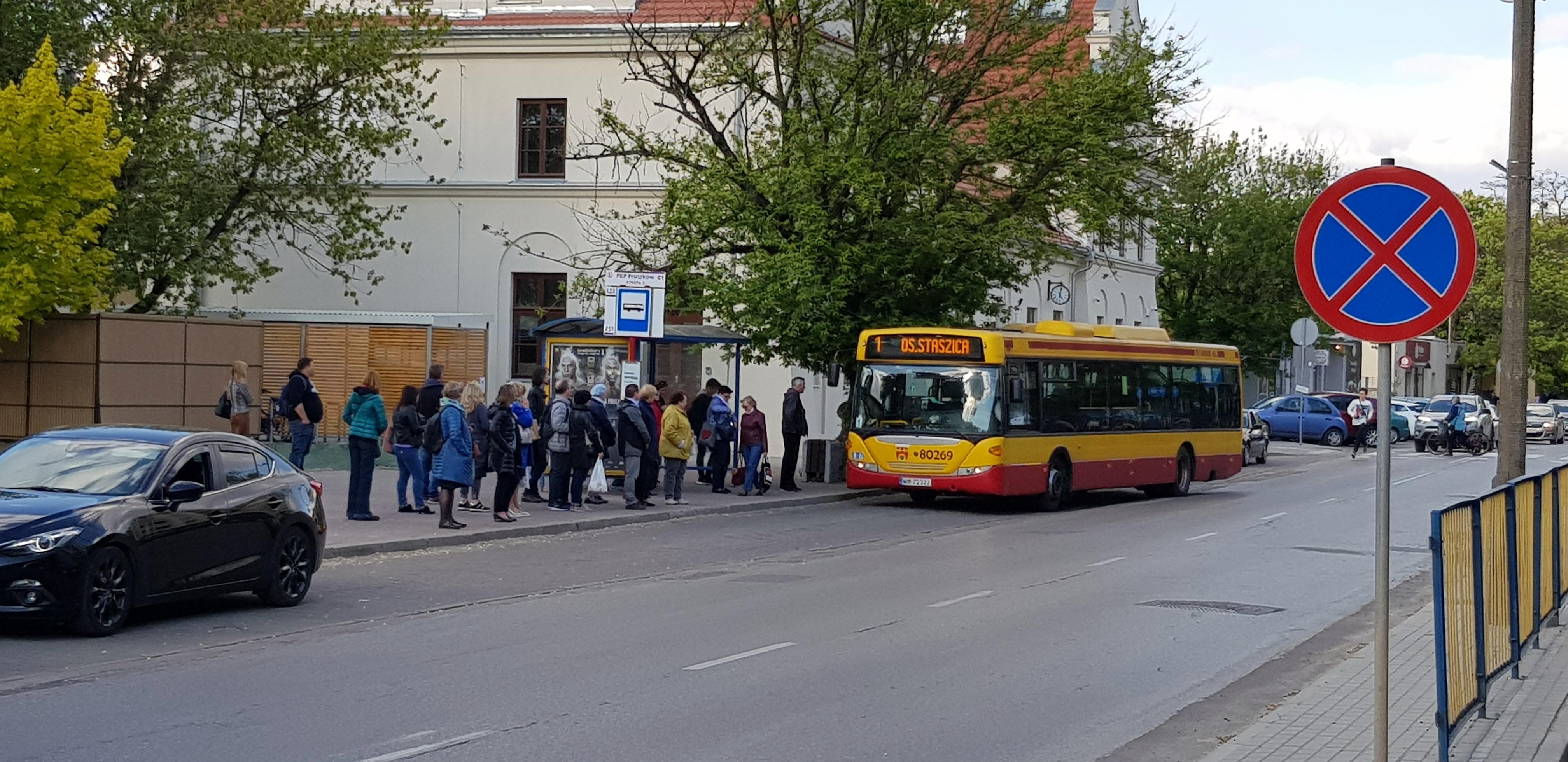 Dworzec PKP Pruszków - przystanek autobusowy