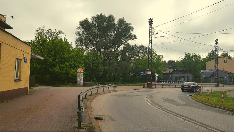 Skwerek przy stacji PKP w Pruszkowie